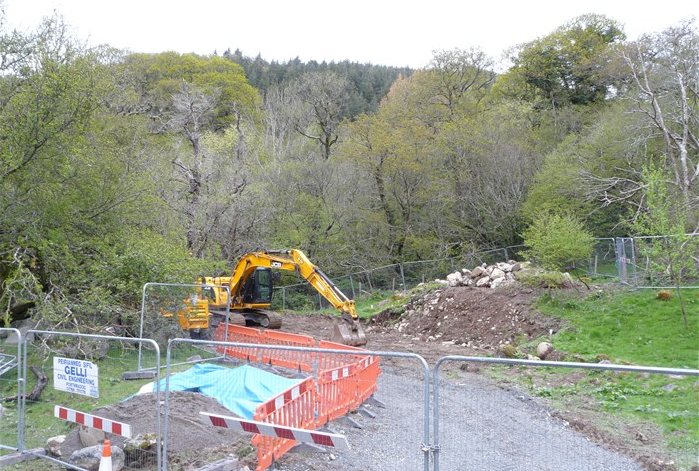 The bank is cut back to accomodate the Turbine House 9 May 2015