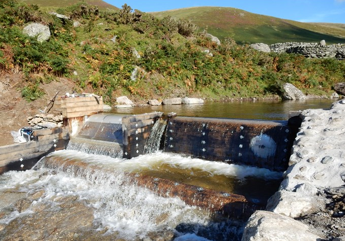 The diversion pipes are capped and the weir is flooded 15 Sept 2015