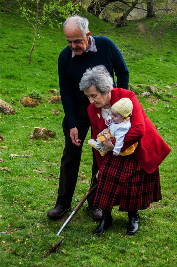 Oldest Eirlys and youngest Emily residents born in Abergwyngregyn cut the first turf at the Turbine House site 4 May 2015